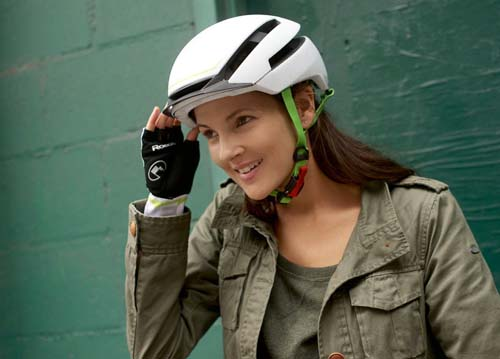 helmplicht highspeed e bikes komt eraan ald automotive nieuws en persberichten ald automotive. Black Bedroom Furniture Sets. Home Design Ideas